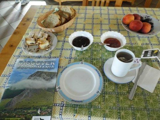 Pensiunea Mosorel: colazione fantastica