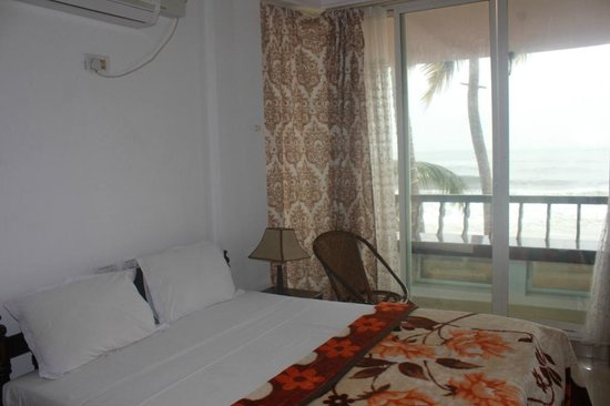 Palm Beach Resort: Sea View Room