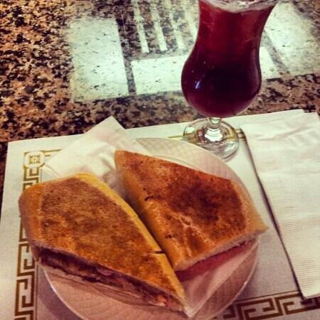 Siglo XX : Cuban Sandwich and house Sangria