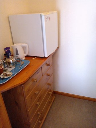 Tall Trees: Walk in wardroom + fridge and tea making tray