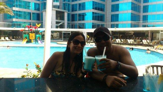 Tibisay Hotel Boutique: bar piscina