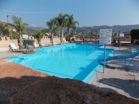 Hotel La Coccinella: piscina