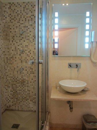 B&B Le Stanze del Duomo: Bagno stanza Dante