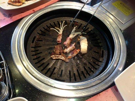 Yakimix restaurant: cooking~