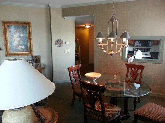 Sheraton Portsmouth Harborside Hotel: Dinning area