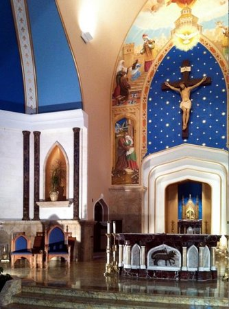 Fargo, Dakota del Nord: Altarpiece and Sanctuary