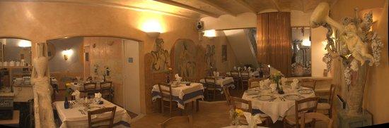 Restaurant grec Le Bouzouki : La salle