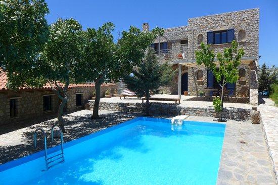 Aoritis Luxurious Traditional Villas: Pool