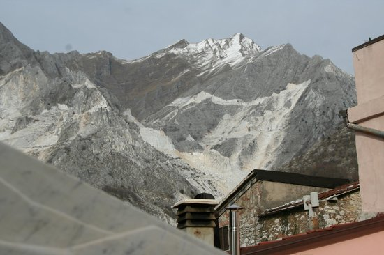 Marble Mountains Picture Of Cttours Carrara Marble