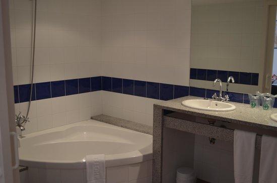 Hotel Calina : Bathroom