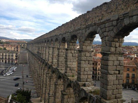 Acueducto Segovia - Picture of Segovia Aqueduct, Segovia ...