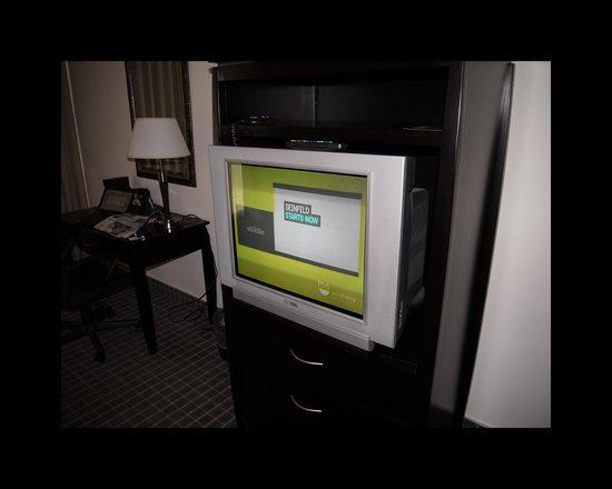 "Oakland Airport Executive Hotel: Not the 32"" plasma TV that was advertised"