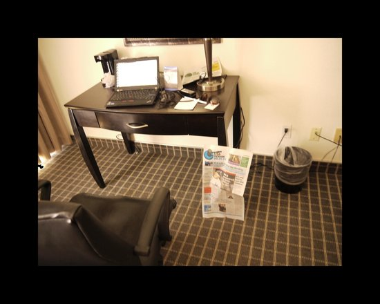 "Oakland Airport Executive Hotel: Hardly the ""large work desk"" advertised (almost impossible to use - only 24"" from floor to botto"