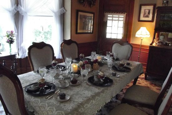 The Grand Victorian B&B: Dining Room table set for breakfast
