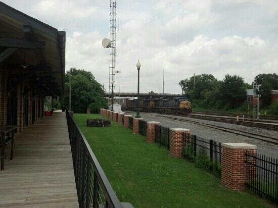 Dalton Freight Depot : Train rolling past the depot!