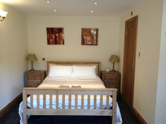 Acorns Guest House: The bed