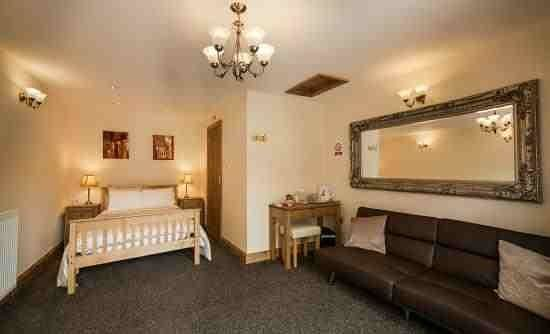 Acorns Guest House: The room