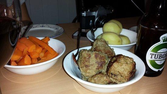Sollia Gjestegard: dinner our first night
