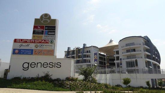 Genesis All-Suite Hotel: Fachada