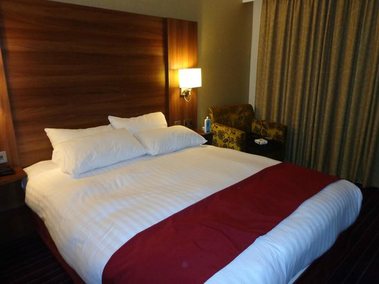Days Inn Wetherby: Double bed