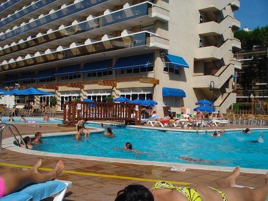 Hotel Marinada: piscine