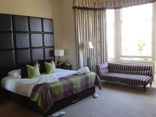 Nether Abbey Hotel: Beautiful bedroom