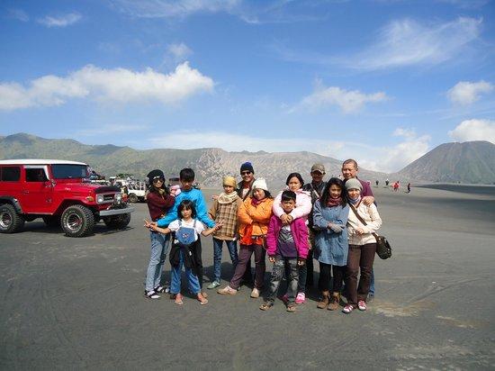 Indonesia: ngumpul keluarga di pasir berisik Bromo