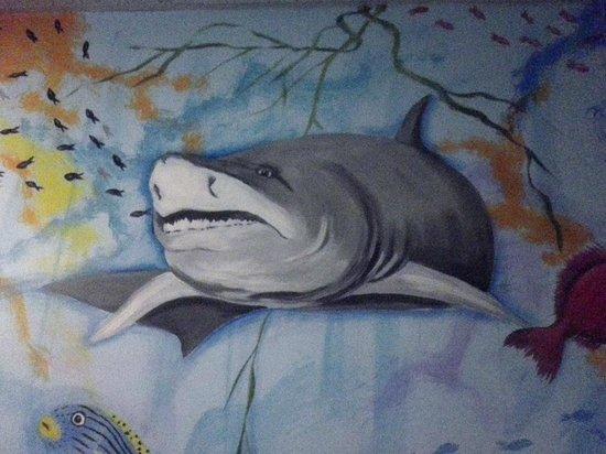 Comfort Inn Sandusky: Shark! lol