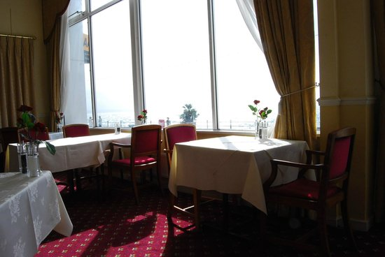 The Queens Hotel : more on dining