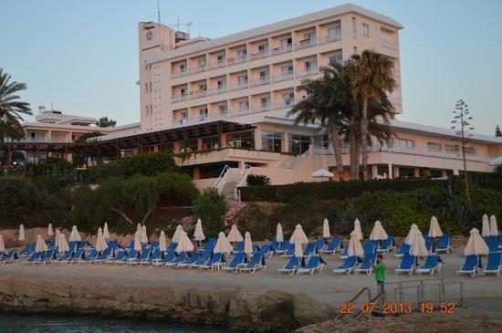 Cynthiana Beach Hotel: Вид на отель