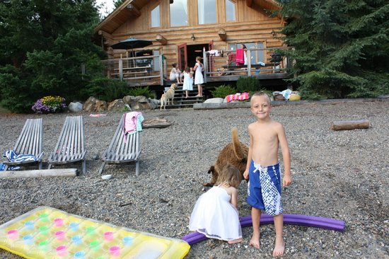 Silverton Resort: large lake front cabin /beach