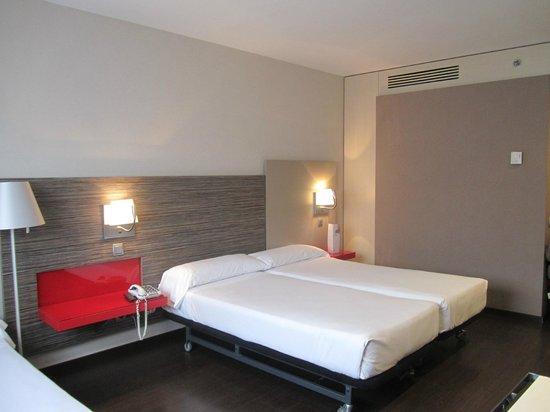 ILUNION Barcelona : room