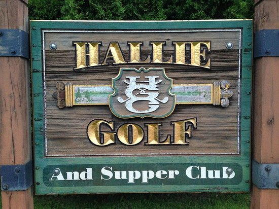 Lake Hallie Golf Course: Outside sign