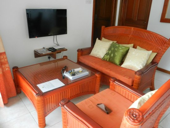 East Horizon Self-Catering Apartments: Living room