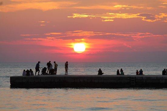 Old Town Hostel: pôr do sol em Zadar