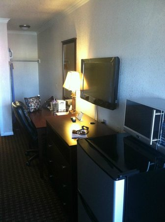 Santa Clarita Motel: TV , cold fridge and microwave