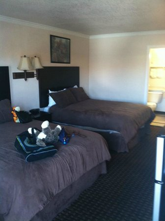 Santa Clarita Motel: Very comfortable beds and pillows