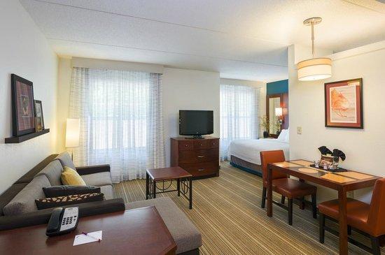 Residence Inn Philadelphia Langhorne: One Bedroom Suite