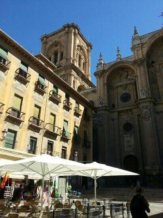 Cathedral and Royal Chapel : place de la cathédrale