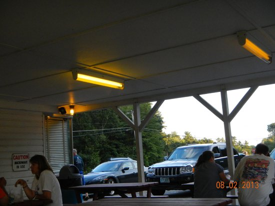 Martin's Drive-In Restaurant: open air seating