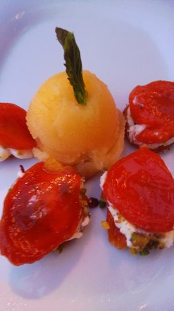 Tarla Mediterranean Bar & Grill : Stuffed apricots