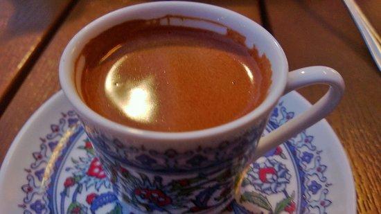 Tarla Mediterranean Bar & Grill: Coffee