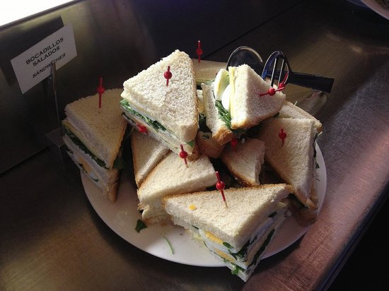 B-Hotel: on the 2nd morning, sandwich were served.