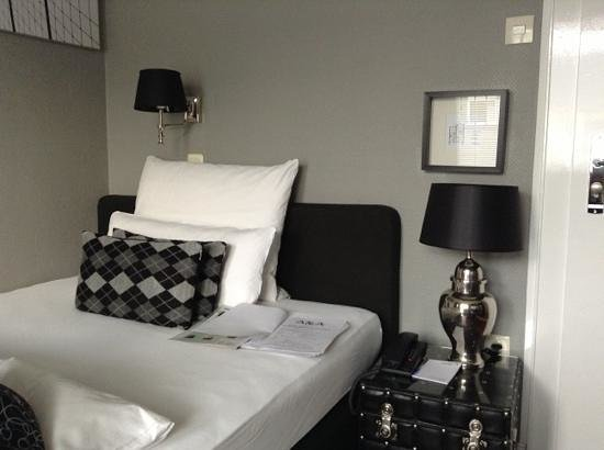 Sir & Lady Astor Hotel : hôtel Sir Astor, petite chambre de 12m