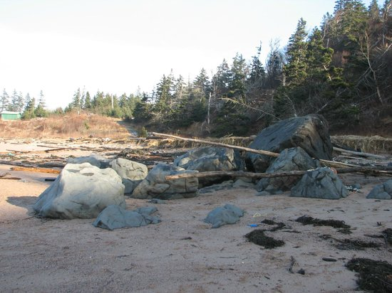 Sandy Cove Beach: Jerome's Rock exposed.  Not often do you see this.