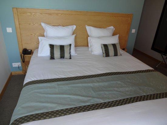 Hotel Samoria : le grand lit