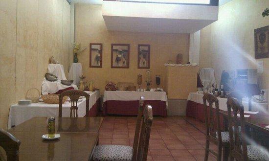 Hotel Sercotel Rosaleda de Don Pedro: zona del desayiluno