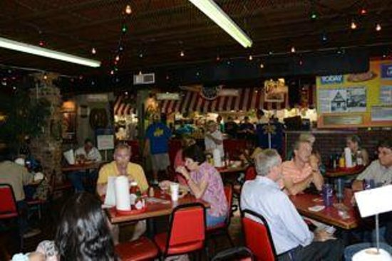 Steamboat Bill's: Central dining area