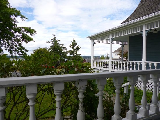 Lovejoy Inn on Whidbey Island: View from the porch