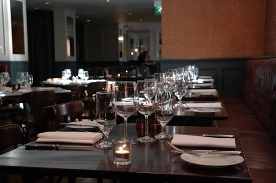 Reform Social & Grill : the restaurant